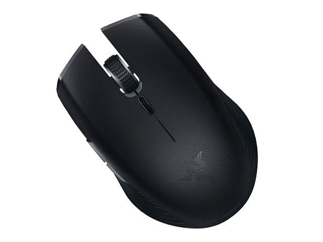 Mouse da gaming razer atheris, modello wireless ed economico adatto ai videogiochi pensato per essere trasportato in viaggio per via delle sue piccole dimensioni