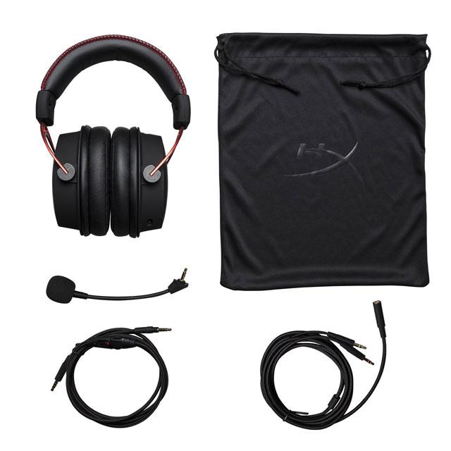 Kit completo incluso nnelle hyperx CLoud Alpha, con cuffie gaming, microfono, cavi di connessione e borsa per il trasporto delle cuffie.