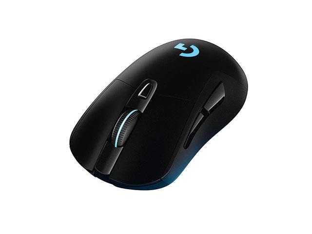 Mouse economico logitech g403 senza fili, di olore nero con logo azzurro, adatto a tutti i giocatori.