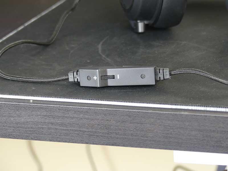 Sharkoon Skiller SGH3 controlli cavo