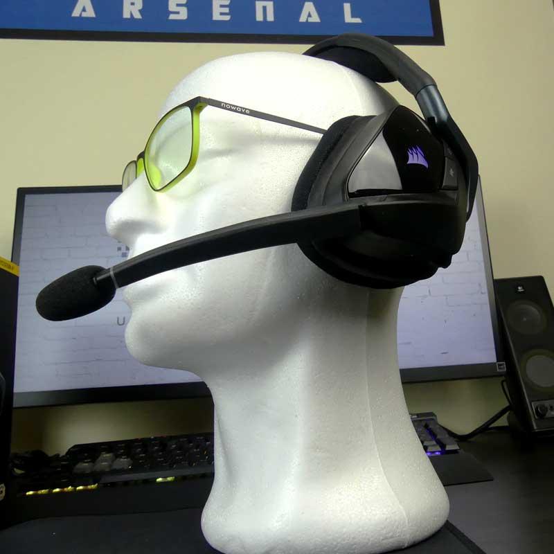 corsair void Elite Comode anche con gli occhiali