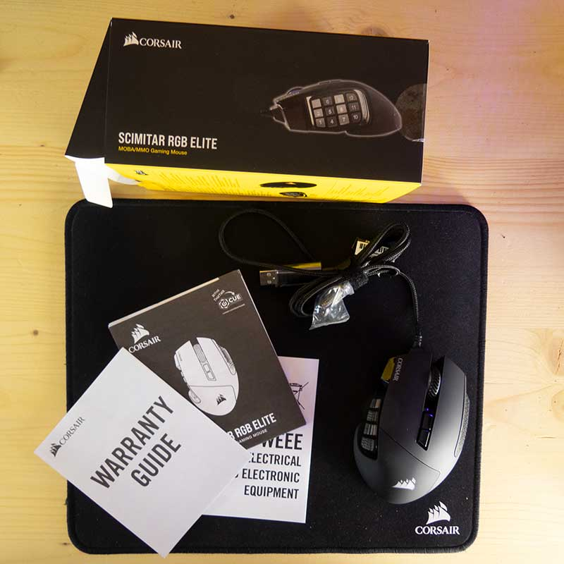 Corsair Scimitar RGB ELite Unboxing 3