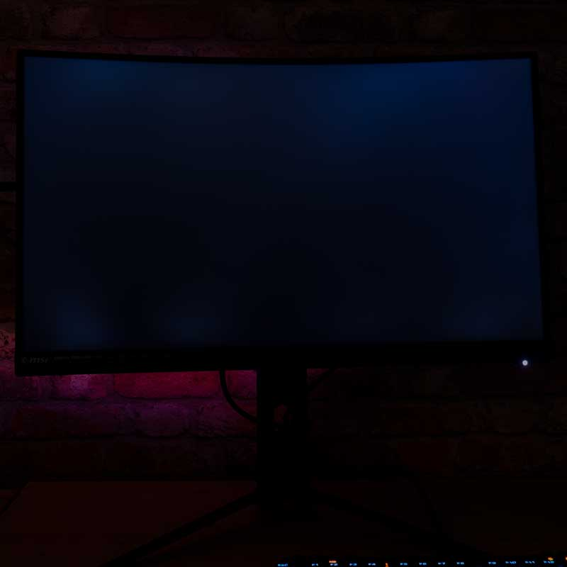 MSI 272CQR backlight bleeding