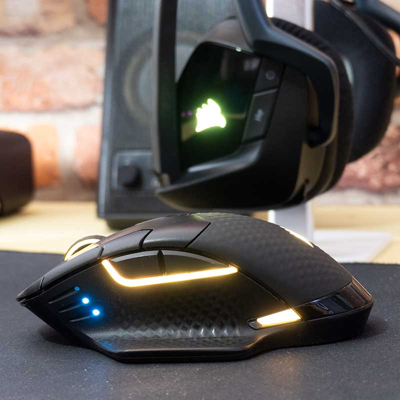 Corsair Dark Pro pulsanti laterali