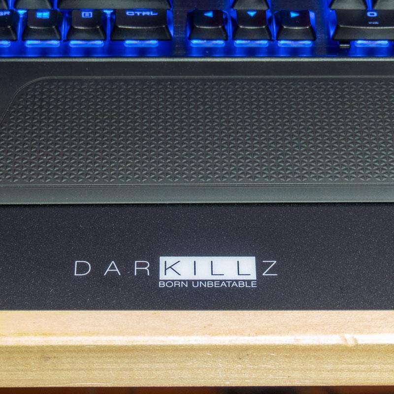 tappetino gaming darkillz Born Ubeatable